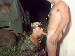 Men slurping down dick...