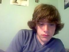 Cute boy puts on a cam cum show...