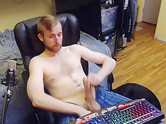 Student wanks sexy bearded canadian guy 24yr old...