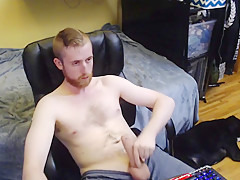 Horny model strokes big on chaturbate live no...