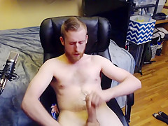 Naked stud wit beard to orgasm with cum...