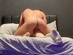 Young gets woken by horny dad...
