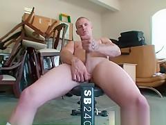 Secret weight lifting fag 5...