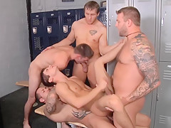 Twink double anal fucked in locker room...
