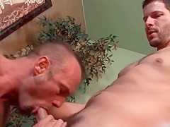 Divorced str8 dudes first kissing session gay muscular...