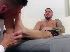 Foot fetish dolf reacts immediately yelling and...