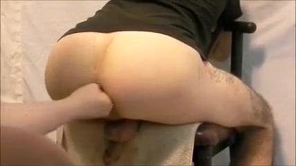 fisting his ass on chair 2 Easy sex in a pan