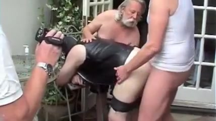 Bareback outdoor fuck and cum Licking fingering fisting