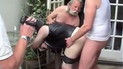 Bareback outdoor fuck and cum Turn off tinder social