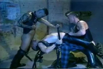 Rough men in leather fuck hard Busty les tranny pussyfucking babe sensually