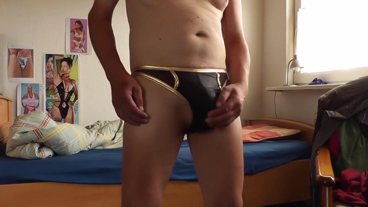 sexy string in schwarz-gold Sexy ass black girls nude