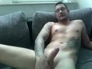 German Webcam Boys Mens scene 21 Pin hinge photos