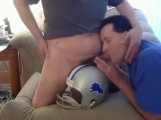 sucking cock on top of a lions helmet 40plus dk min side