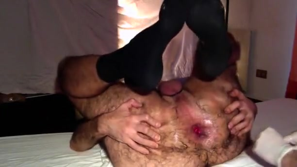 Fisting Highlights valuable gape ! Black haired busty