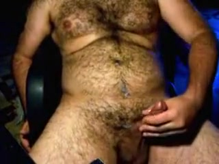 Hairy war shoots a load loss of fat on the soles of the foot