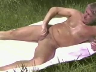 OLDER MEN OUTDOOR 00010 selena gomez i