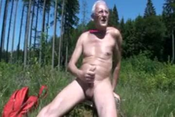 Im Freien vor Spannern Wichsen After masturbate pee burn