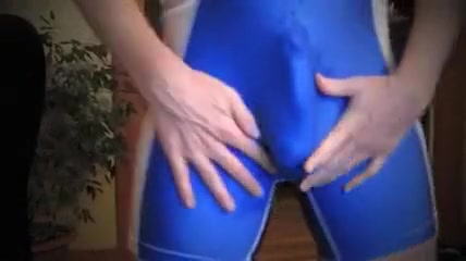 Lycra Footjob by dominating Japanese in pantyhose