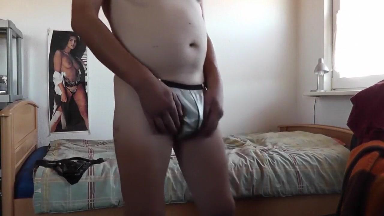 sexy stringtanga in silbergrau Best milf shemale