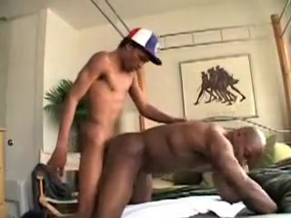 Muscular gets fucked sex love and rock and roll t pain