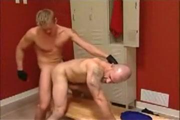Grown Men Locker Room Today show dating sites