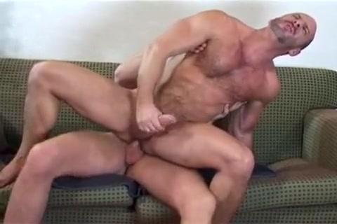 Hot Bareback Muscle Big natural tits swaying