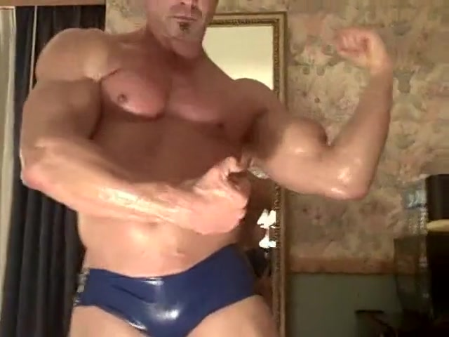 Sanford Posing His Muscles pussy on video webcams