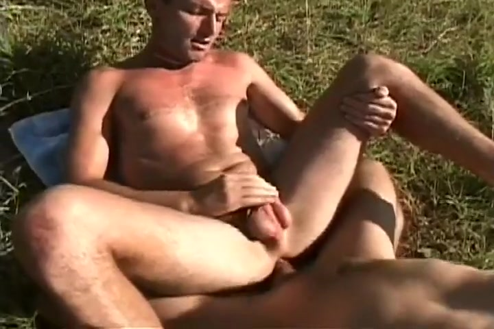 Horny Euro Guys Fucking in the Field On line transvestites