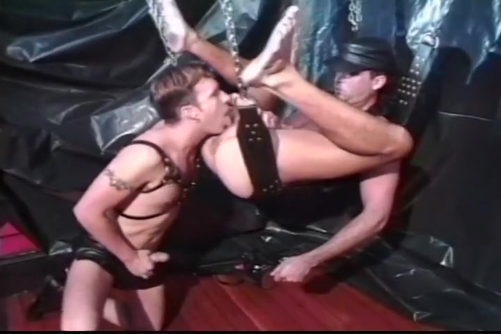 Leather Fetish Gays Do Super Hard Anal How to make him know you like him