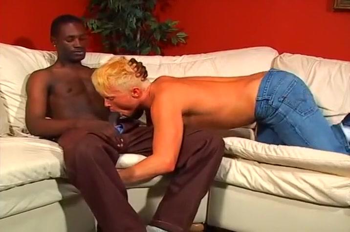 Hot Twink Wants An Interracial Butt Fuck How to fuck lesbians