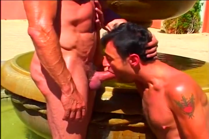 Muscle Bound Gay Hotties Outside Vidio sex italy