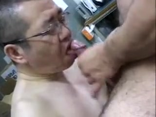 Salesman Gets A Facial Oral fetish video