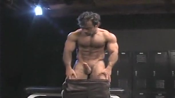 Muscle Gang - Four Horny EuroS Shaking bdsm
