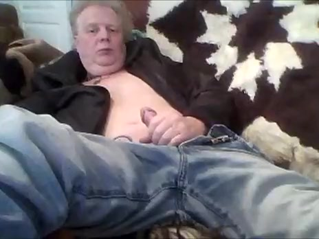 Im lustful, need to emty my nutts girl masturbaits with dildo