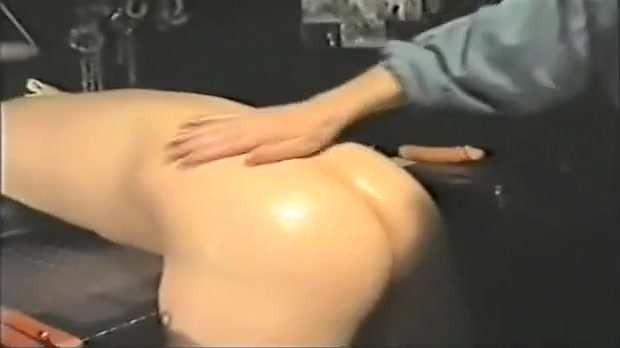 Strip Video 4 Arse ass bum buns butt face