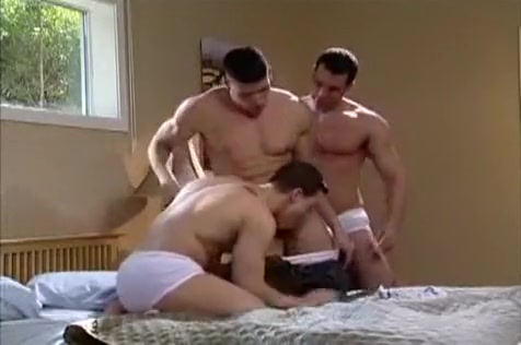 Hot Muscle Wrestling free mexican gay porn videos
