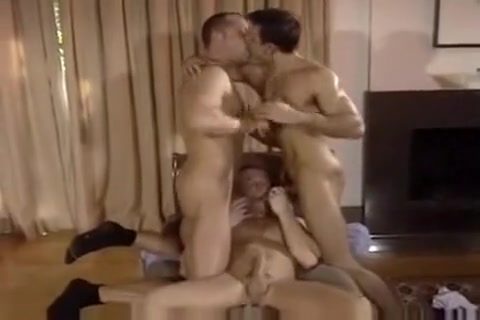 Hot Three Way lingerie to be fuck in