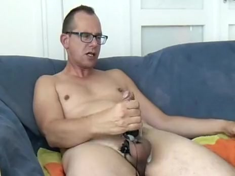 Estim ejaculation after a 2 weeks masturbation break. Clip mature nylon nympho stocking