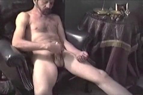 Work That Ass Naked girls masturbating squirting