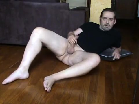 algaycho jo on floor, feet, open legs blowjob and cumshot ay