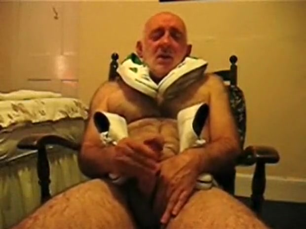 Old Fetish Dude and Sneakers Peliculas eroticas famosas