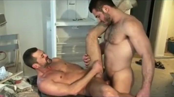 Hunk ass slammed from behind Public sex caught on hidden camera