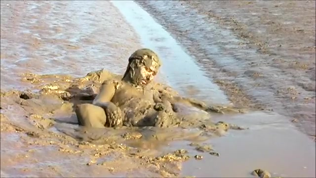 Naked mud wallow delfynn delage anal fisting