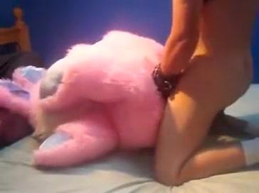 Pup humps bunny Mature lesbian kissing
