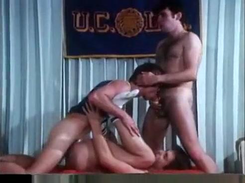 Classicall American Boys Mature carpet masturbation !