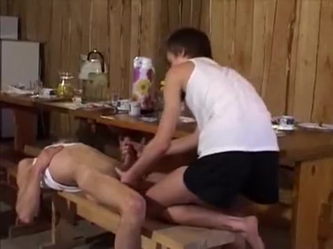 Young Europeans Suck Fuck And Eat Cum In The Kitchen People giving blow job