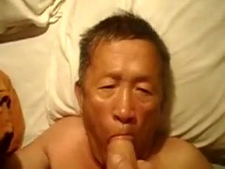 Asia older man Suck Xxx house wife fuck