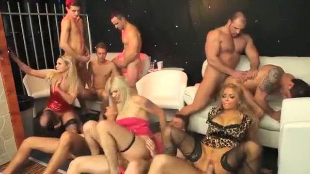 Hot BI PARTY amateur black girl video blowjob swallow private