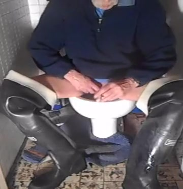 nlboots - relieving myself (waders toilet smoke) Cannot backup iphone to itunes