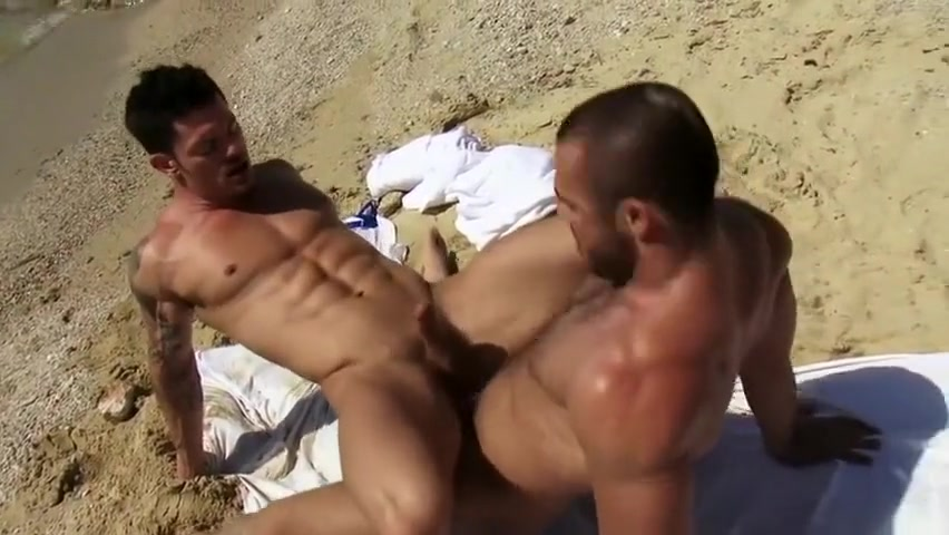 Best Friends Pounding on the Beach fat girl anal sex pics